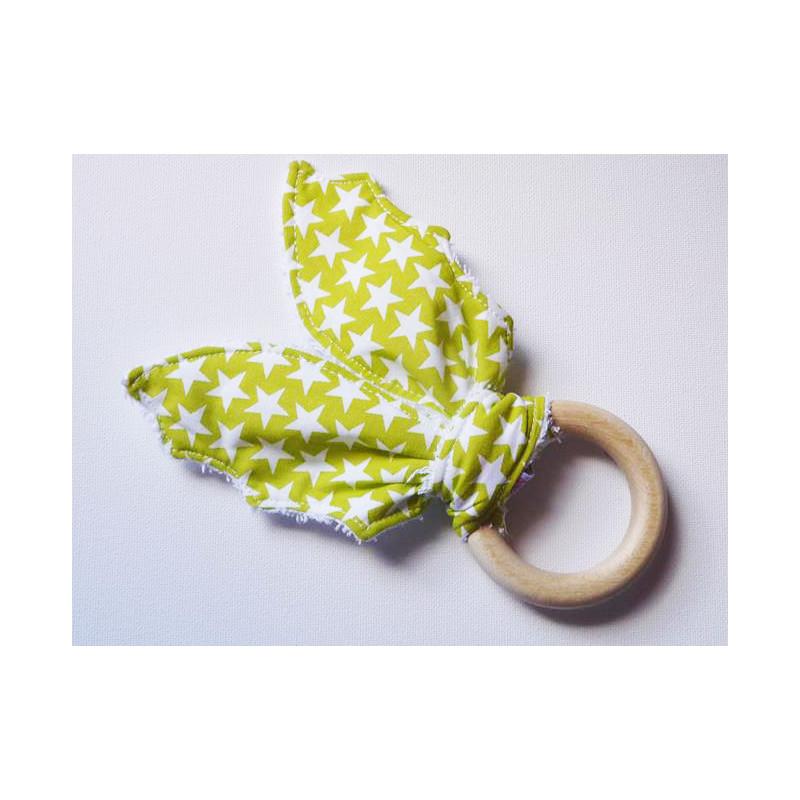 Hochet anneau de dentition en bois à ailes de chauve-souris en coton - ETOILES ANISEES - (avec grelot)