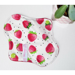 STRAWBERRIES washable panty liner (16 cm)