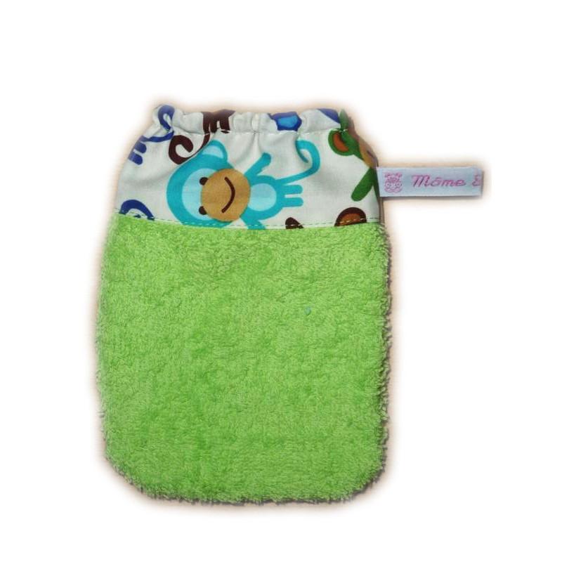 gant de toilette enfant les baleines d s 3 ans m me sweet m me. Black Bedroom Furniture Sets. Home Design Ideas